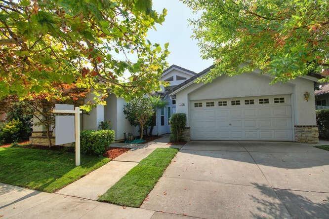 Photo of 3420 Grimshaw Way, Elk Grove, CA 95758 (MLS # 20053902)