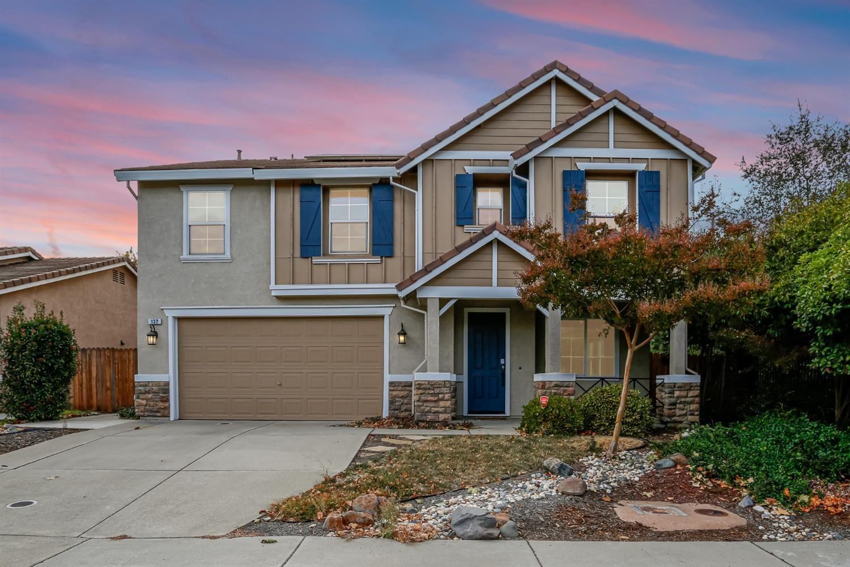 Photo of 132 Glenwood Circle, Roseville, CA 95678 (MLS # 221126902)
