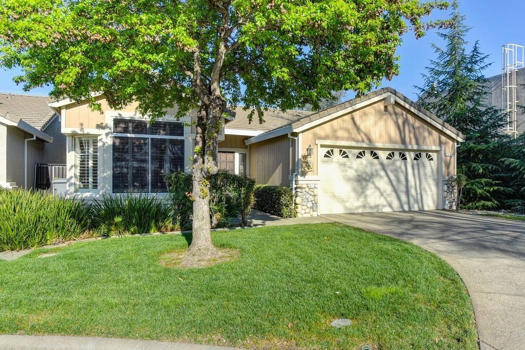 Photo of 700 Diamond Glen Circle, Folsom, CA 95630 (MLS # 221012905)