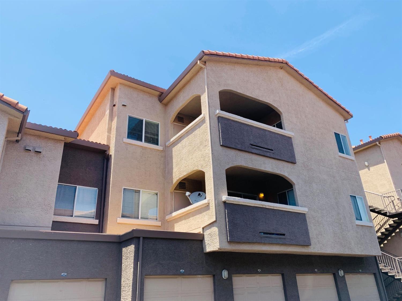 Photo of 10001 Woodcreek Oaks Boulevard #836, Roseville, CA 95747 (MLS # 221117908)