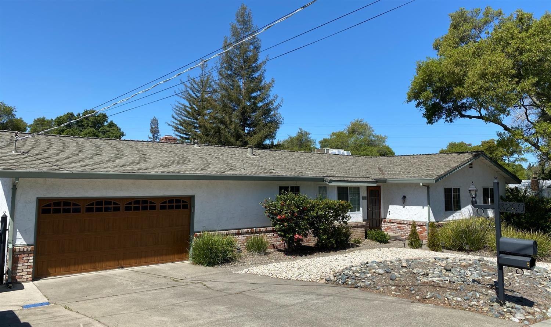 Photo of 8260 Granite Drive, Granite Bay, CA 95746 (MLS # 221030913)