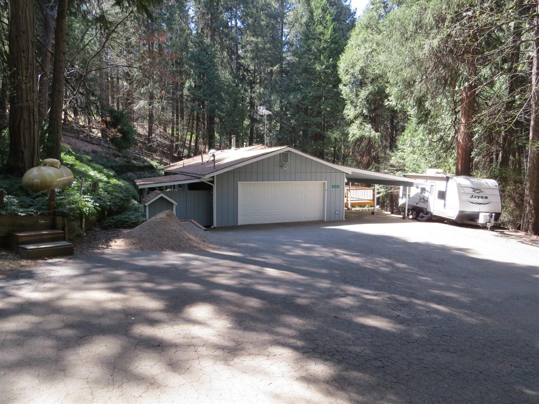 Photo of 6488 Misery Lane, Pollock Pines, CA 95726 (MLS # 221037917)