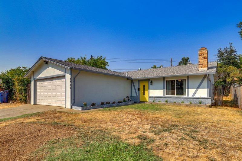 Photo of 7311 Windfall Way, Citrus Heights, CA 95621 (MLS # 221117922)
