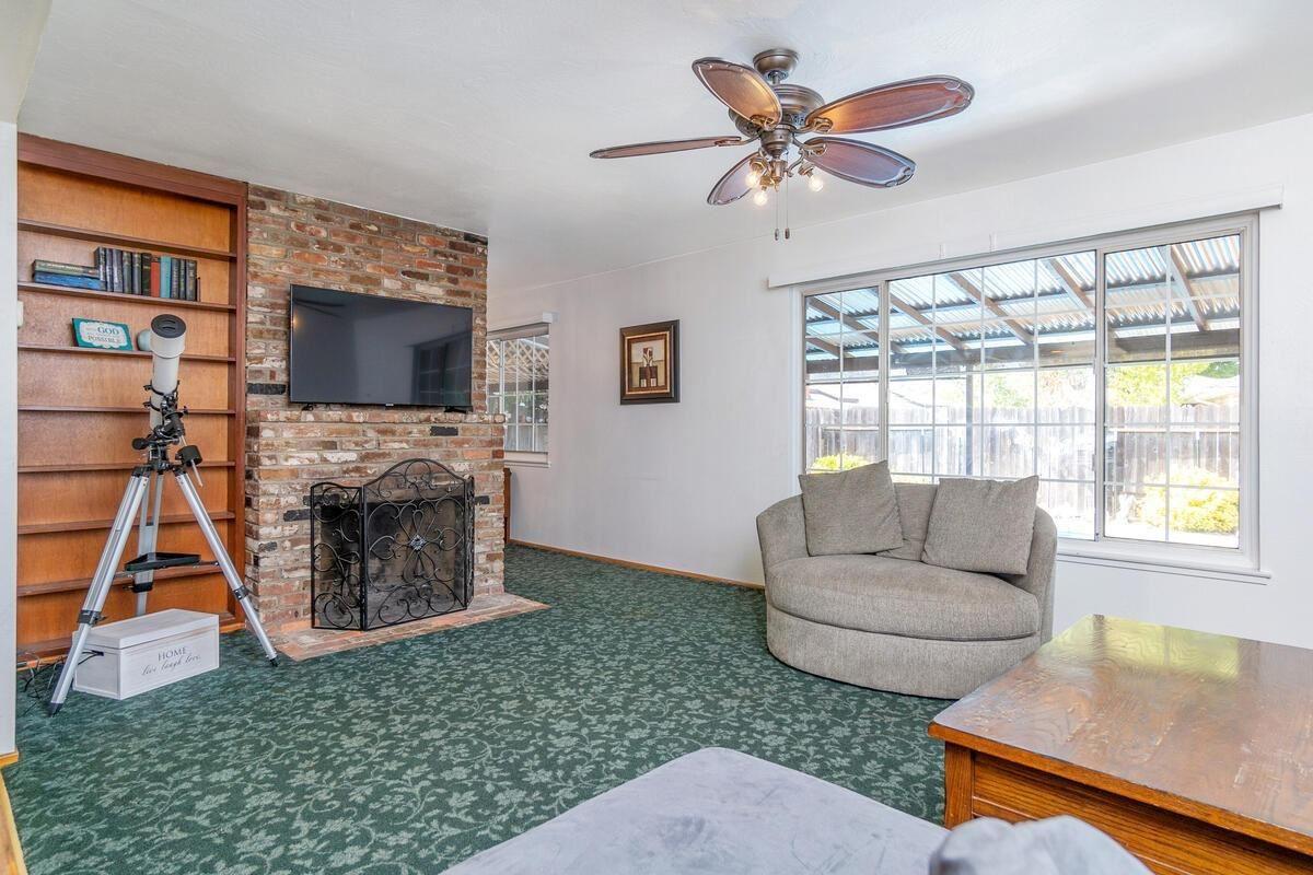 Photo of 10551 Catawba Way, Rancho Cordova, CA 95670 (MLS # 221113931)