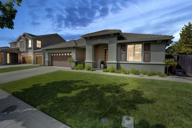 Photo of 2626 Meadowlark Circle, West Sacramento, CA 95691 (MLS # 221117932)