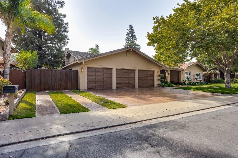 Photo of 2504 Bardolino Lane, Modesto, CA 95356 (MLS # 221132941)