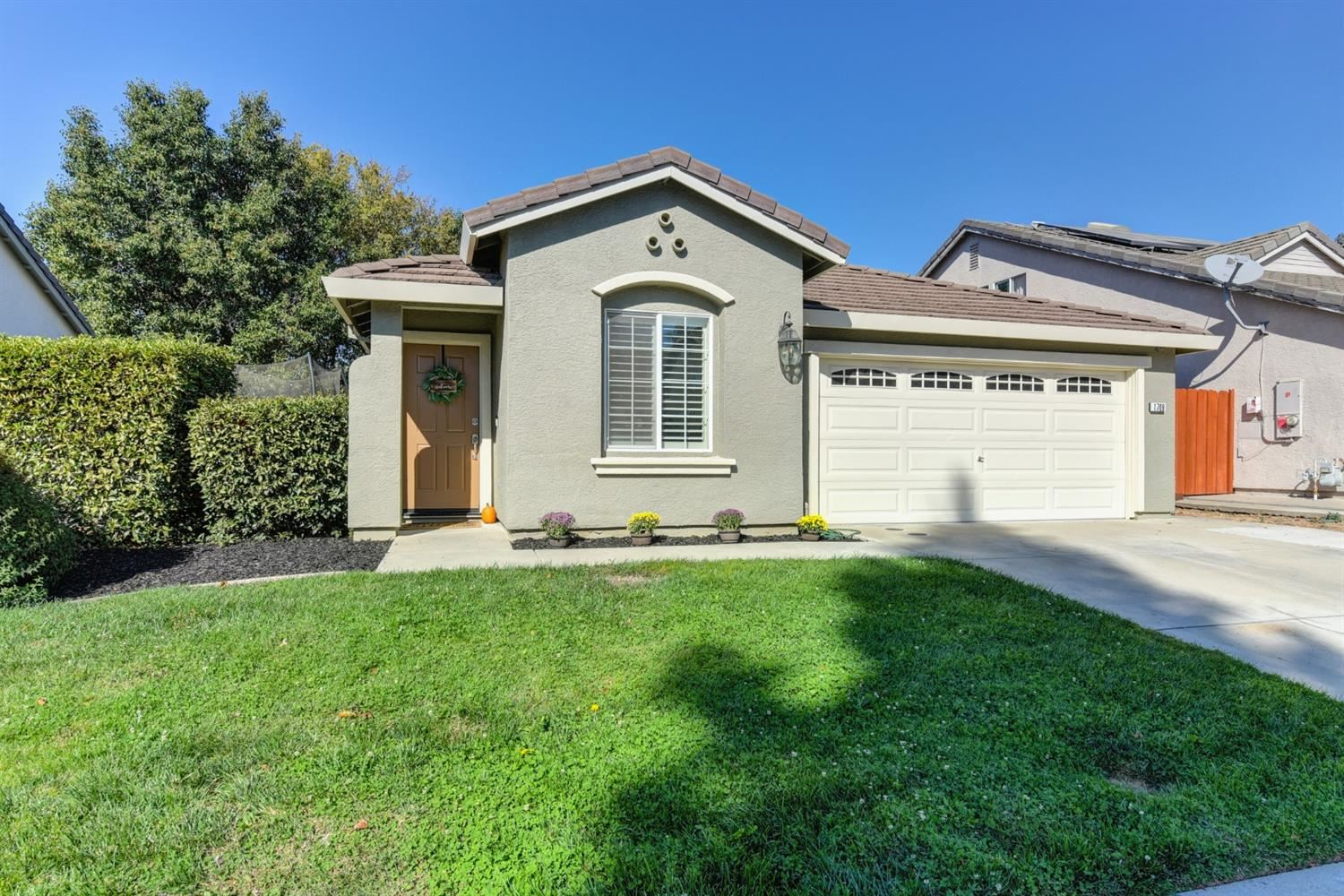 Photo of 1709 Sharifa Way, Roseville, CA 95747 (MLS # 20063944)
