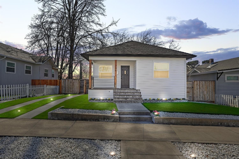 Photo of 331 Grove Street, Roseville, CA 95678 (MLS # 221010945)