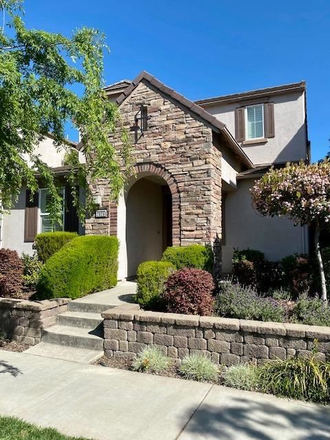 Photo of 2825 Market Street, Roseville, CA 95747 (MLS # 221036951)