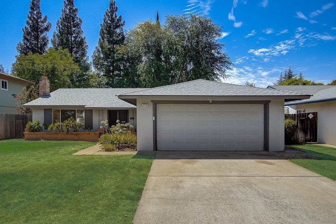 2704 Escobar Way, Sacramento, CA 95827 - MLS#: 221092956