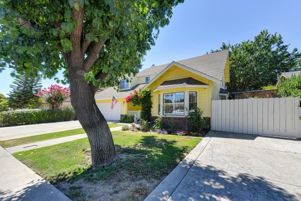 Photo of 2520 Veneman Avenue, Modesto, CA 95356 (MLS # 221080957)