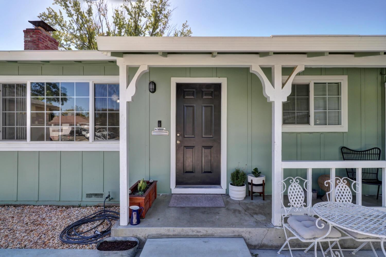 Photo of 2318 50th Avenue, Sacramento, CA 95822 (MLS # 20063960)