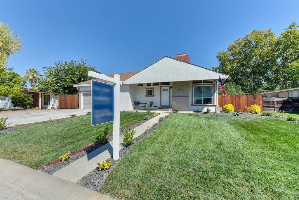 Photo of 2516 Greenfield Way, Carmichael, CA 95608 (MLS # 221113968)
