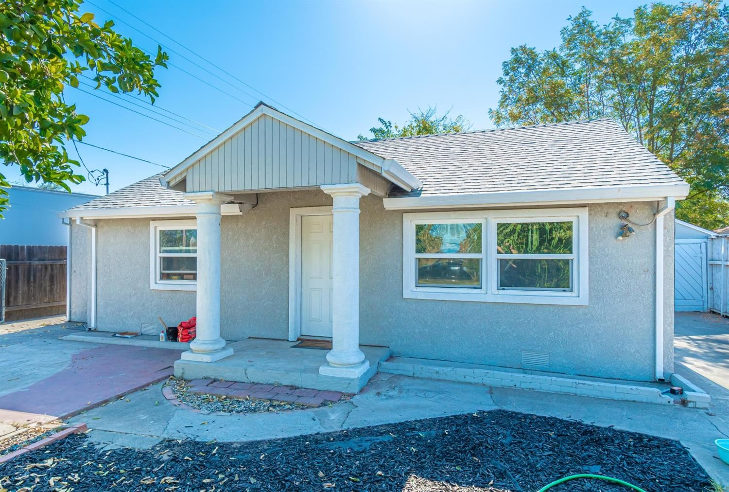 Photo of 2232 Bell Avenue, Sacramento, CA 95838 (MLS # 20063969)