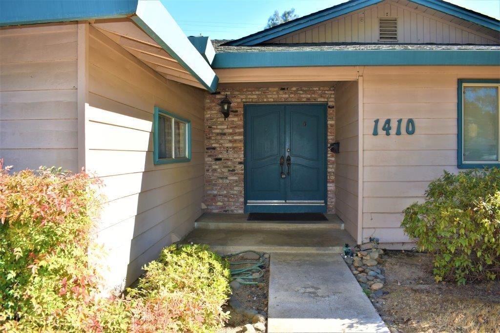Photo of 1410 Rampart Drive, Roseville, CA 95661 (MLS # 20063970)