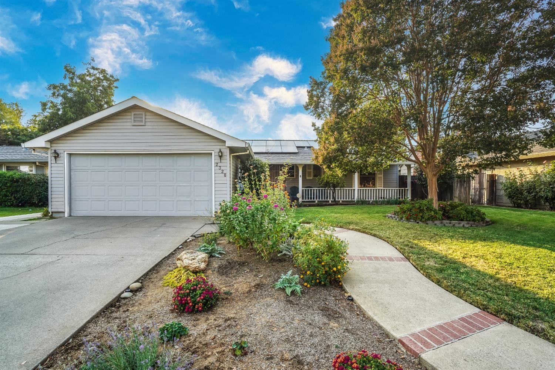 Photo of 2320 Pinturo Way, Rancho Cordova, CA 95670 (MLS # 221117973)