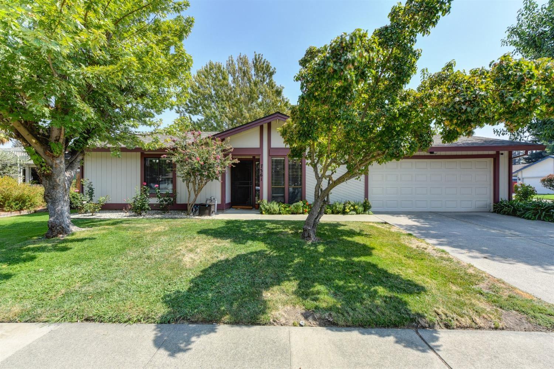 7361 Souza Circle, Sacramento, CA 95831 - MLS#: 221115980