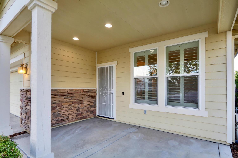Photo of 2608 San Marin Lane, Sacramento, CA 95835 (MLS # 221114998)