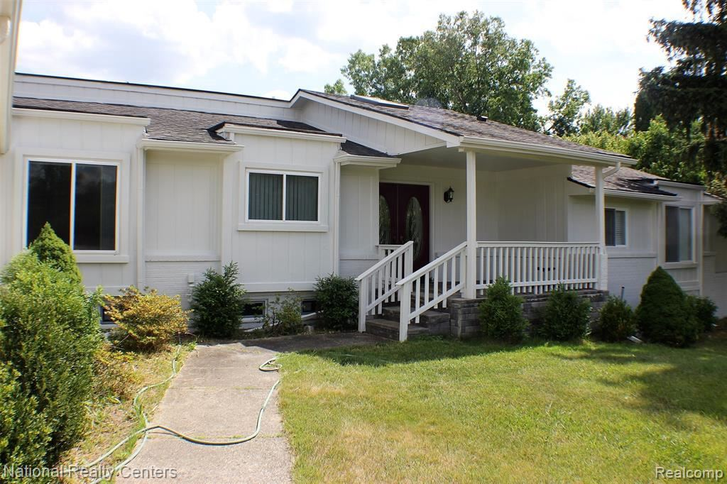 4673 WALNUT LAKE RD, West Bloomfield, MI 48323-2560 - #: 40071563