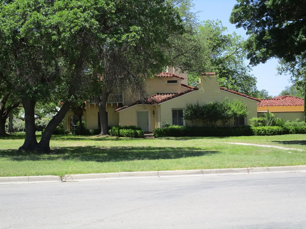Photo for 422 E Second St, Sonora, TX 76950 (MLS # 94023)