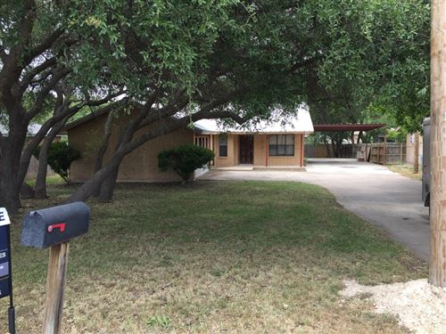 Tiny photo for 921 E Second St, Sonora, TX 76950 (MLS # 98043)