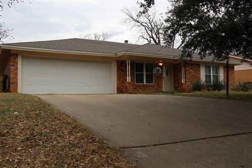 Photo of 3818 Nottingham Tr, San Angelo, TX 76901 (MLS # 100107)