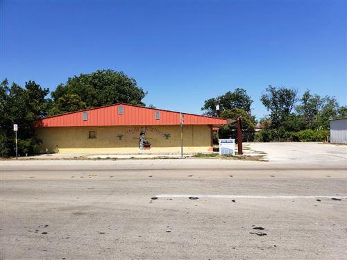 Photo of 605, 611 S Crockett St, Sonora, TX 76950 (MLS # 102117)