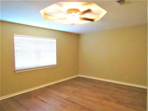 Tiny photo for 110 Oakwood St, Sonora, TX 76950 (MLS # 105141)