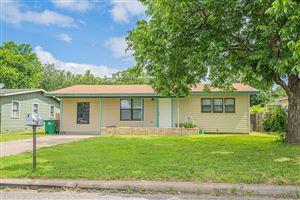 Photo of 218 Oakwood St, San Angelo, TX 76903 (MLS # 98170)
