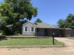 Photo of 400 N 6th St, Ballinger, TX 76821 (MLS # 98188)