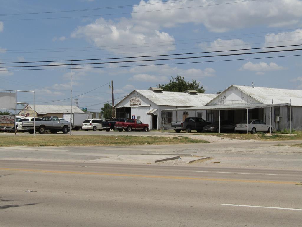 Photo for 602 N Crockett Ave, Sonora, TX 76950 (MLS # 99236)