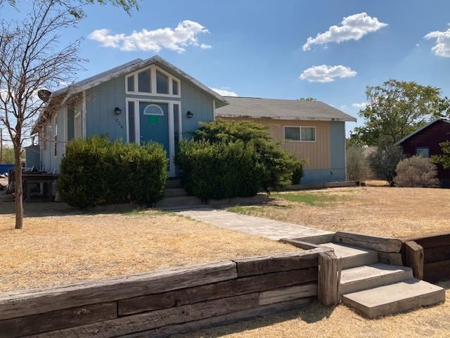 Photo for 204 4th St, Iraan, TX 79744 (MLS # 102319)