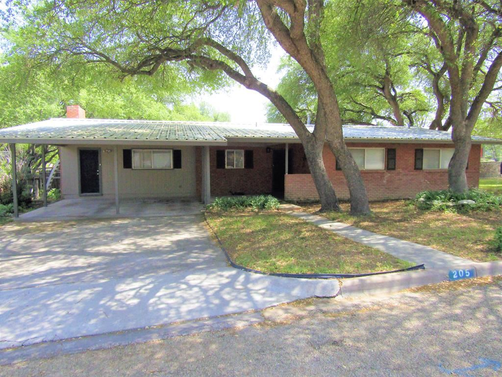 Photo for 205 Murphy Ave, Sonora, TX 76950 (MLS # 101480)