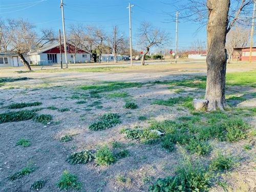 Photo of 1002 S Crockett Ave, Sonora, TX 76950 (MLS # 103671)