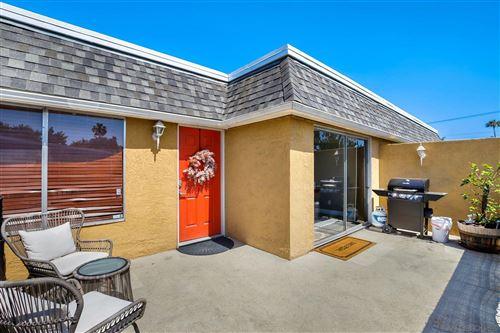 Photo of 1217 Mariposa Ct, Vista, CA 92084 (MLS # 210012001)