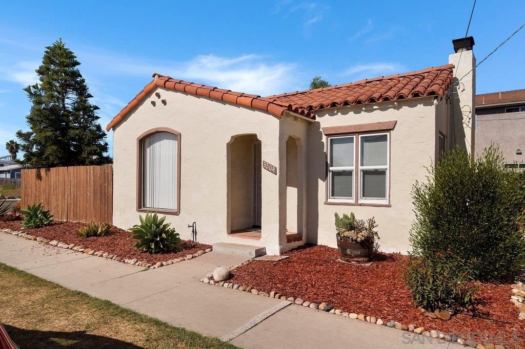Photo for 3204 Madison Ave, San Diego, CA 92116 (MLS # 200051003)