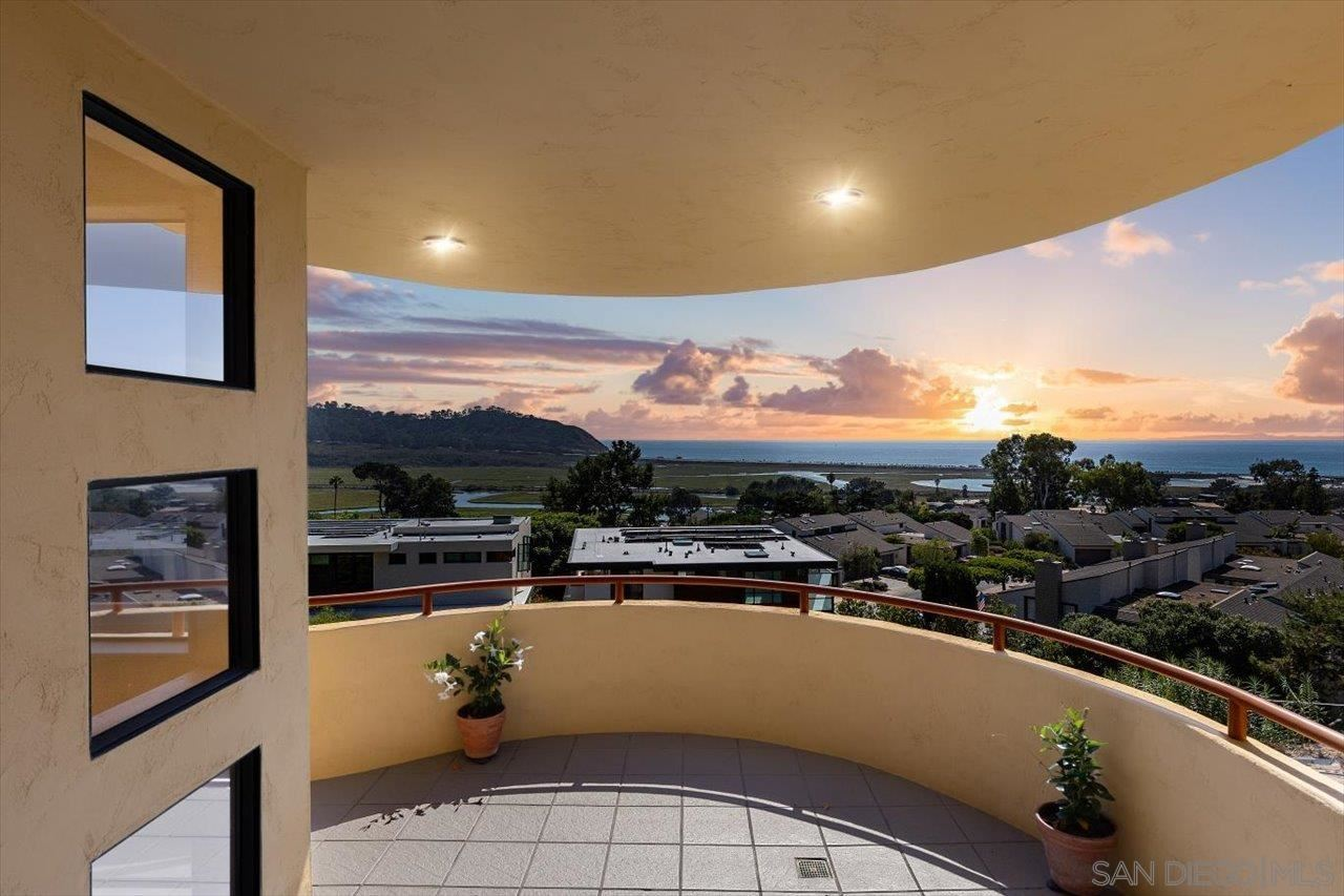 Photo of 12991 Via Esperia, Del Mar, CA 92014 (MLS # 210026003)