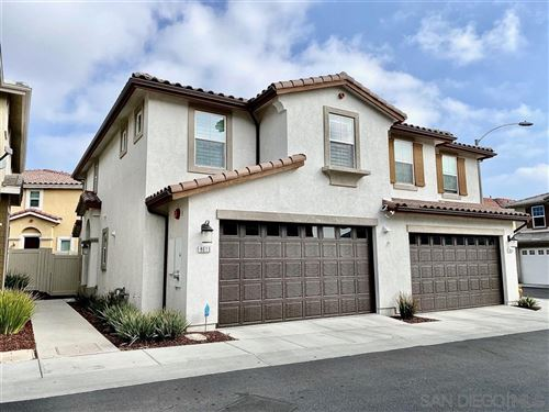 Photo of 8613 Sage Shadow Dr, Lakeside, CA 92040 (MLS # 200003004)