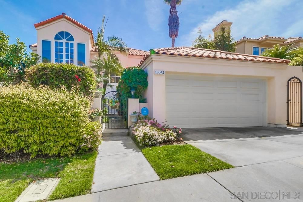 Photo of 13072 Caminito Pointe Del Mar, Del Mar, CA 92014 (MLS # 210009010)