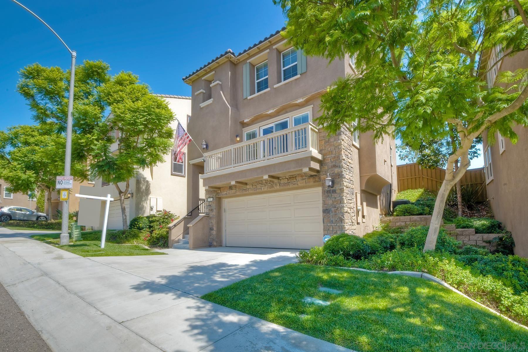 Photo of 343 Steelhead Way, Vista, CA 92083 (MLS # 210025011)