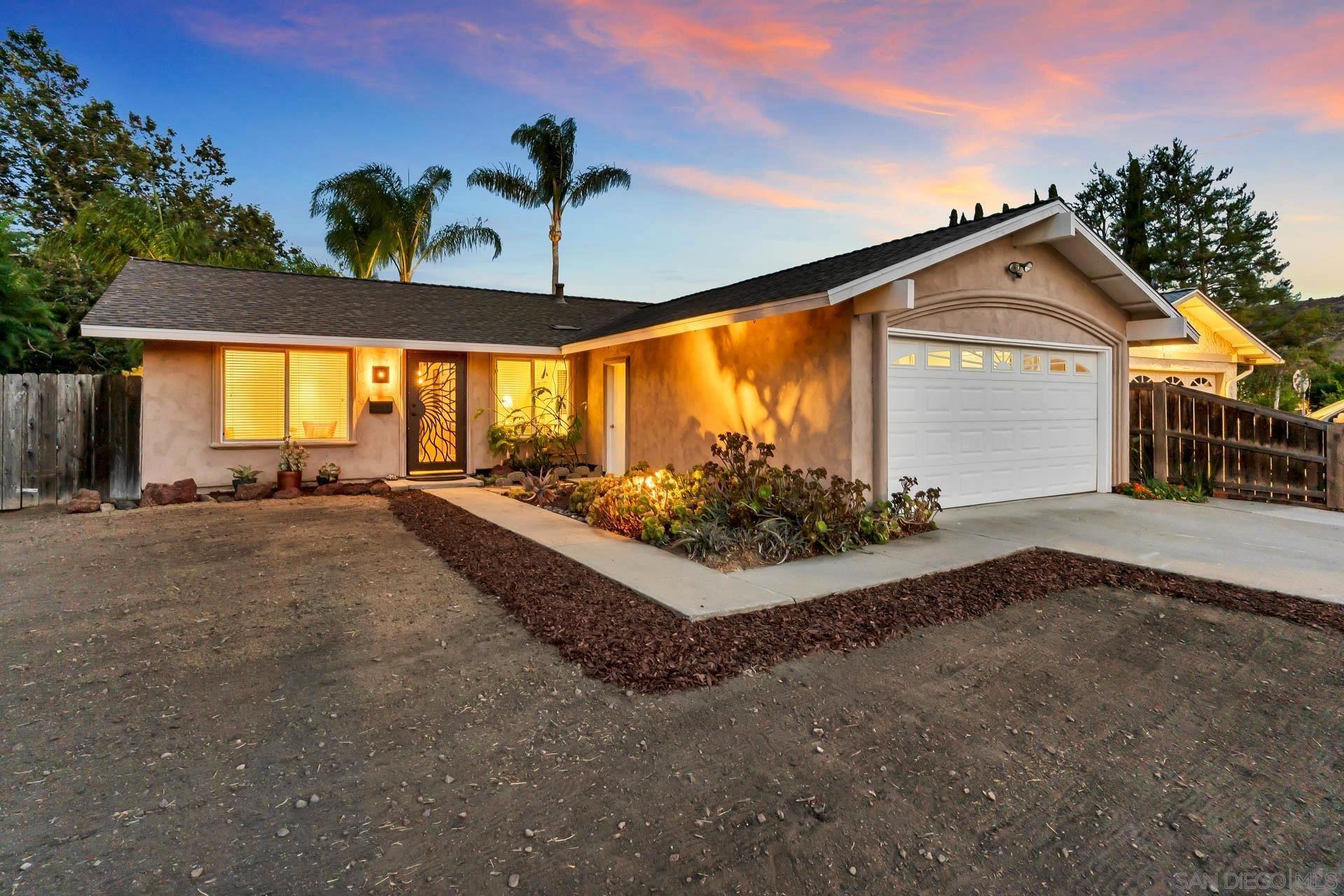 Photo of 13103 Gate Dr., Poway, CA 92064 (MLS # 210020015)