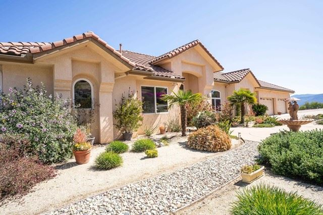 Photo of 15680 Rim of the Valley, Valley Center, CA 92082 (MLS # NDP2106017)