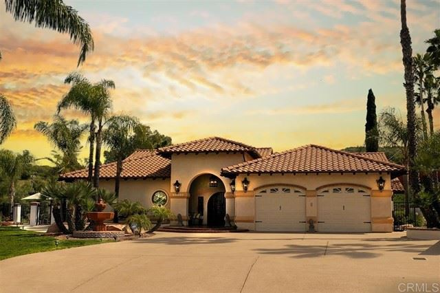 Photo of 12386 Single Oak Place, Lakeside, CA 92040 (MLS # PTP2104022)