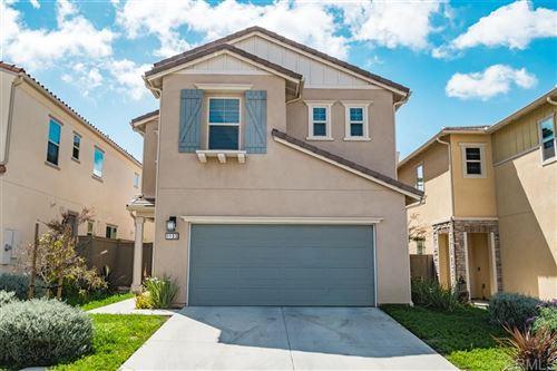 Photo of 1133 Savanna Ln, Vista, CA 92084 (MLS # 200029027)