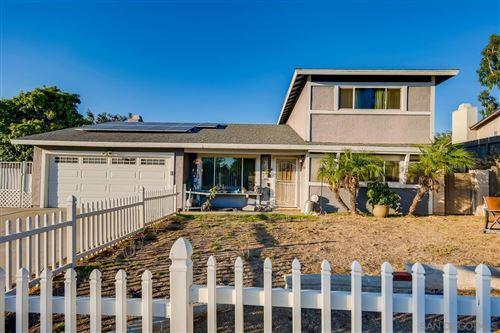 Photo of 2034 Fantero Ave, Escondido, CA 92029 (MLS # 210026035)