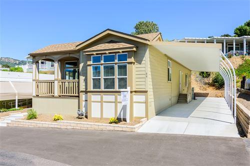 Photo of 4650 Dulin Rd #86, Fallbrook, CA 92028 (MLS # 200048051)