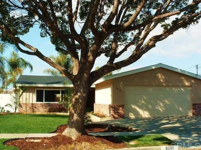 Photo of 3232 Carolyn Circle, Oceanside, CA 92054 (MLS # NDP2112052)