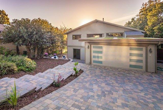 Photo of 840 Val Sereno Drive, Encinitas, CA 92024 (MLS # NDP2103054)