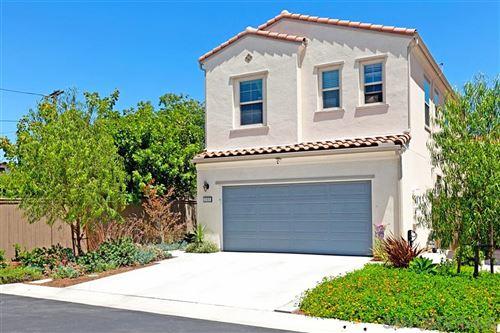 Photo of 2085 Blue Oak Ln, Vista, CA 92084 (MLS # 200038065)