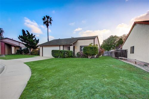 Photo of 3912 Daisy Pl, Oceanside, CA 92056 (MLS # 210010072)